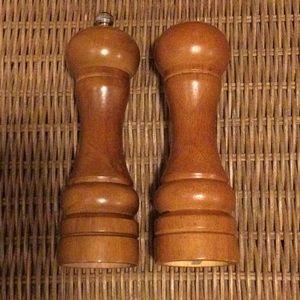 Wooden salt and pepper shaker boho